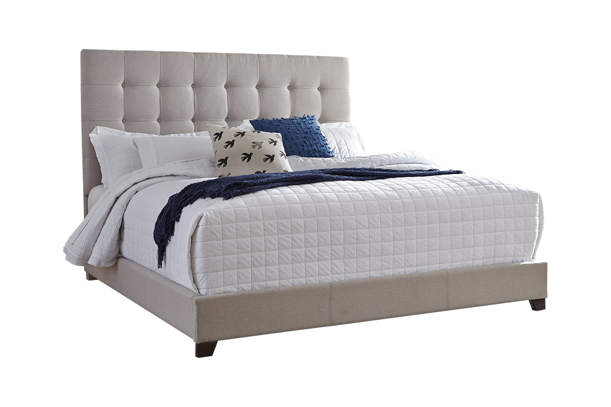 Dolante Upholstered Bed (B130)
