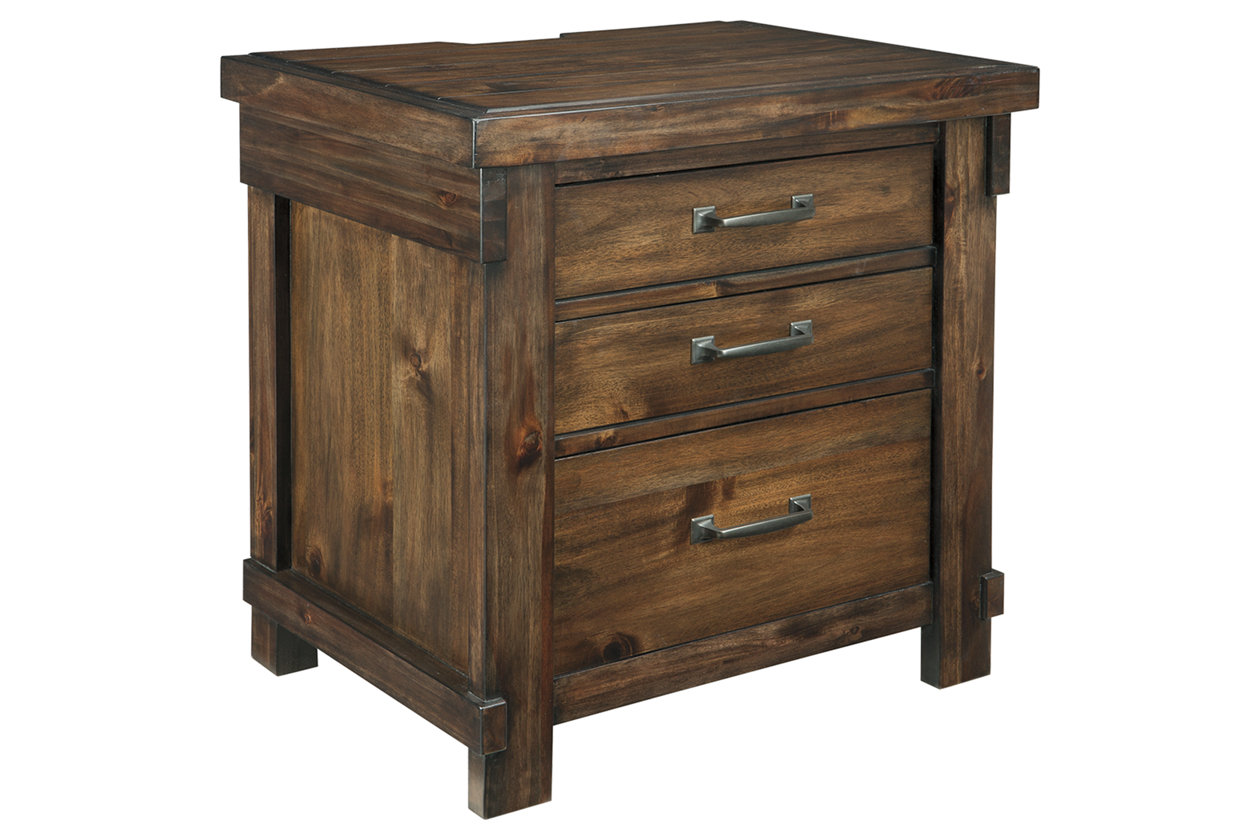 Lakeleigh 3 Drawer Nightstand (B718)